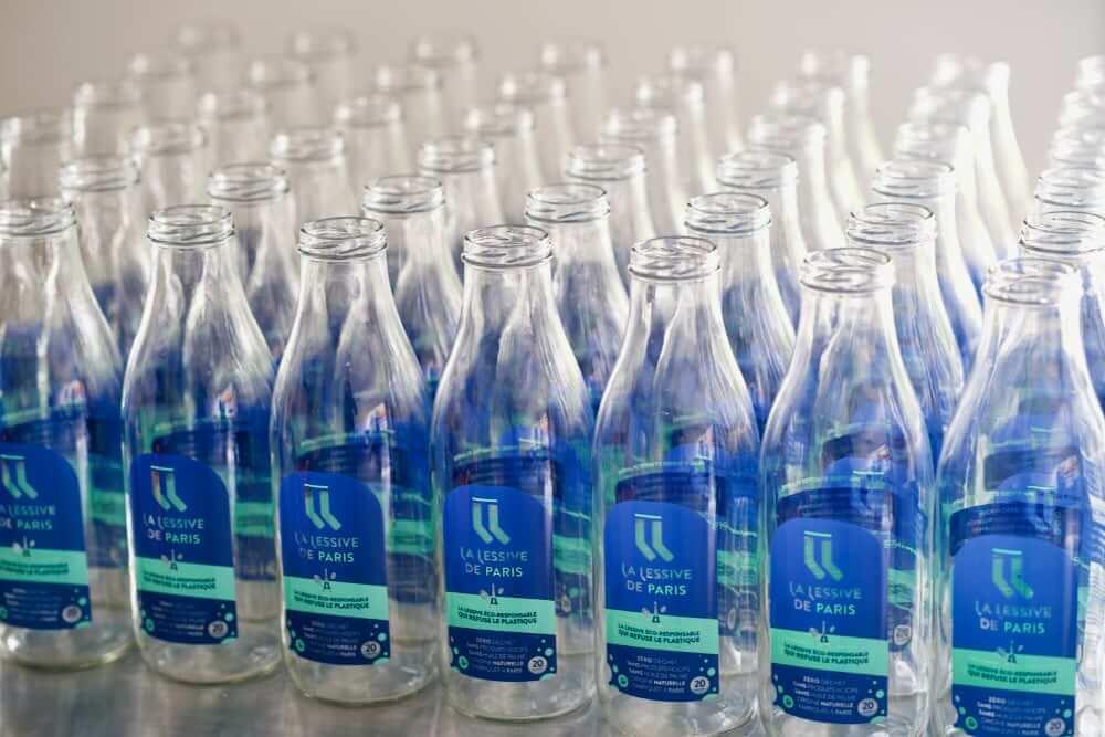 bouteilles en verre de lessive